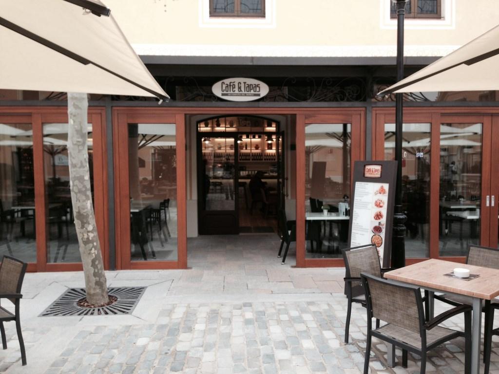 Interiorismo y reformas restaurantes y establecimientos for Distribuidor roca barcelona